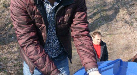 Подарунок рибалкам від сусідів та виток газу на перехресті двох проспектів в Кам'янському
