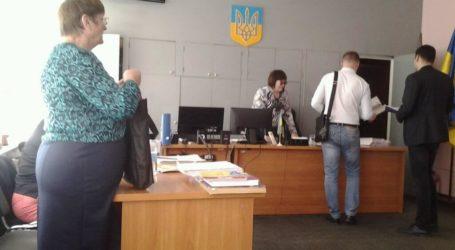 Споживач в суді Кам'янського пробує довести, що управляюча компанія – невідомо хто і сама не знає, чого від нього хоче
