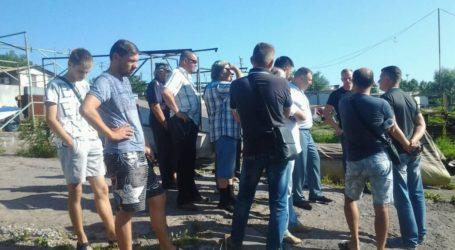 Долю човнярської станції та спортклубу ДМК обговорювали мешканці Кам'янського