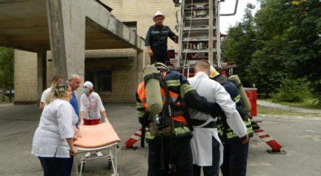 Переполох в 7 лікарні Кам'янського через коротке замкнення холодильника