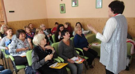 Розрізняти види маніпуляцій в медіапросторі вчаться бібліотекарі Кам'янського