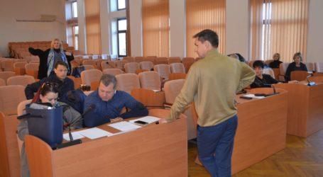 Депутати міськради Кам'янського обурені поведінкою директорки КП «УКОЖФ»