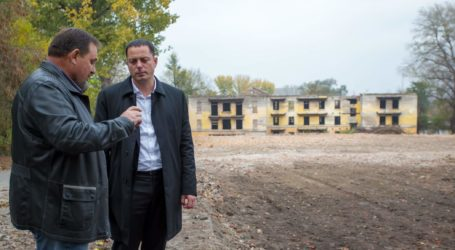 Кто сможет дом построить в Каменском?