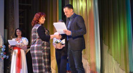 Органи місцевого самоврядування в Кам'янському відзначили своє професійне свято