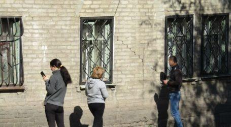 Будинок в Кам'янському, який репнув навпіл півроку тому, визнано непридатним для проживання