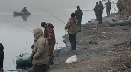 У Кам'янському з 1 листопада забороняється рибалка в «Калоші» та інших популярних місцях