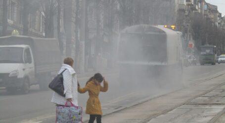 Боротьба з курявою, сміттям та водою в Кам'янському