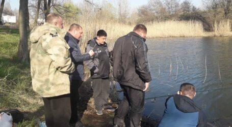 Рейд рибоохоронців та активістів на дренажному каналі в Кам'янському