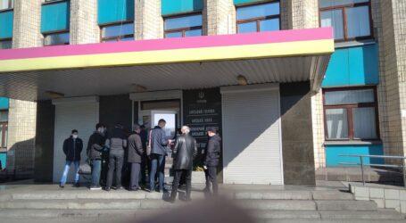 Позачергова сесія міськради Кам'янського проходить в «карантинному режимі» – без публіки та ЗМІ