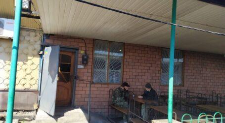 Експрес-тести від коксохіміків, нелегальний кафетерій та страшна байка про «благодійників-отруювачів» в Кам'янському