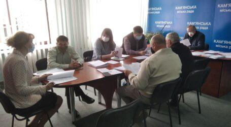 Об'єднання задля збереження послуг: міськрада Кам'янського затвердить реорганізацію медзакладів