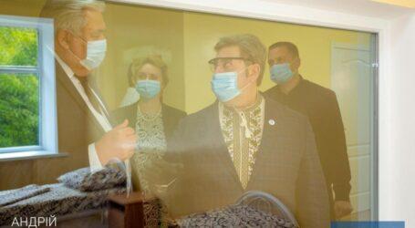 У Кам'янському після капітального ремонту відкрили інфекційне відділення 7-ї лікарні