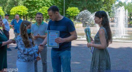 Талантливым детям Каменского вручили стипендии