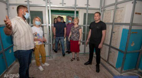 В Каменском продолжают активно ремонтировать отделения городских больниц