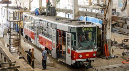 Сесія міськради Кам'янського: гроші погорільцям, новий транспорт та ремонт доріг всередині кварталів
