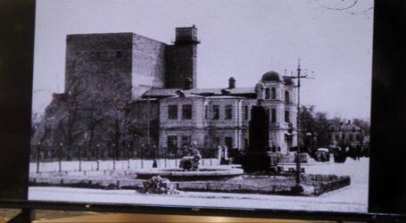 Доля театру імені розстріляного кумира в Кам'янському
