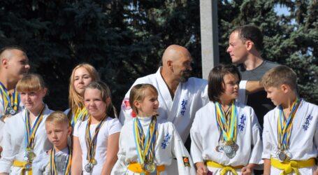 Відновити тренування, аби не втратити досягнення у спорті, пропунують міській владі тренери з  Кам'янського