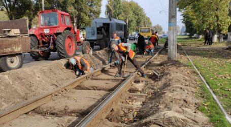 Аматорське озеленення, заміна трамвайної колії та «сезонна» пожежа в Кам'янському