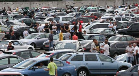 Українці в жовтні набагато частіше купували вживані авто, ніж нові