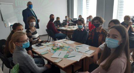 Молодіжний рух в Кам'янському за підтримки міського самоврядування набирає обертів