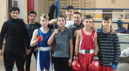 Кам'янські боксери вибороли нагороди на відкритому турнірі у Дніпрі