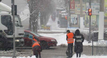 Прибирання снігу в Кам'янському – з новими підрядниками