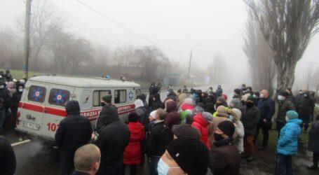 Розмова влади з народом про опалення посеред автотраси відбулась в Кам'янському