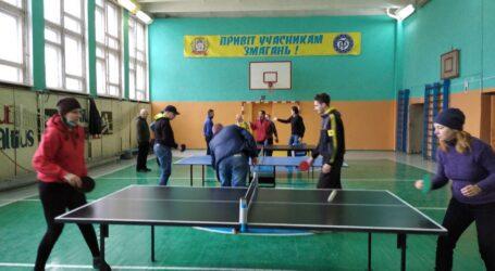 У Кам'янському відбувся чемпіонат області з настільного тенісу та дартсу серед спортсменів з ураженням слуху
