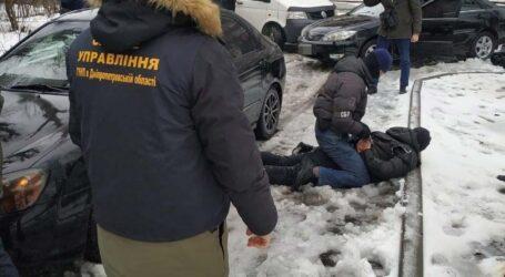 Поліцейські затримали злочинну групу, до якої входили мешканці Дніпра та Кам'янського