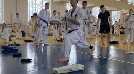 У Кам`янському розпочався семінар з кіокушин карате