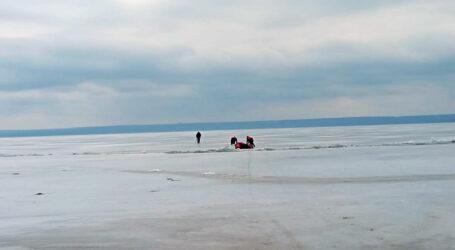 У Кам'янському рибалка провалився під кригу