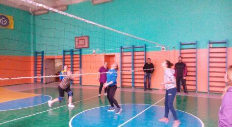У Кам'янському відбувся турнір з волейболу серед спортсменів з вадами слуху