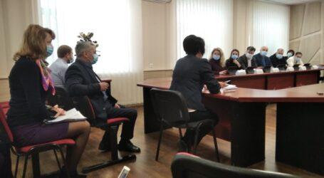 Виконком Кам'янського визначився з штрафом за неприбране листя
