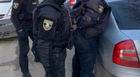 """У Кам'янському затримали поліцейського, який вимагав """"данину"""" з підприємців"""