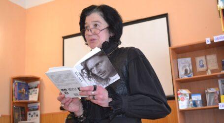 Поезія – красиве та корисне: День поезії відзначили в Кам'янському