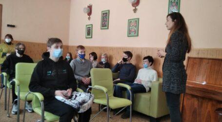 В Кам'янському в «Школі виживання» відбулась розмова про «погану компанію»