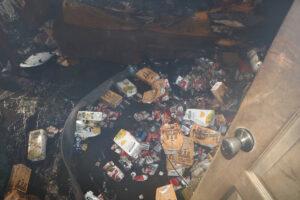 У Дніпрі в заваленій сміттям квартирі згорів чоловік - ФОТО