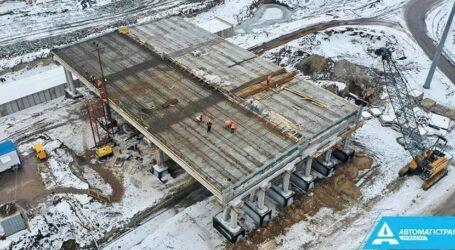 Основний міст на трасі до Дніпра будують з випередженням на 1 місяць