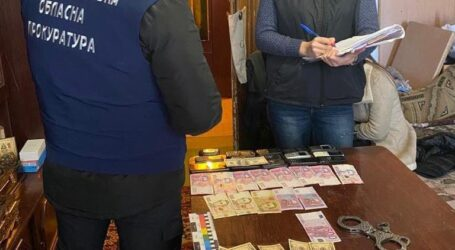 На Дніпропетровщині поліцейські перекрили канал постачання наркотиків до колонії