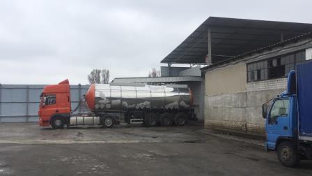 На Дніпропетровщині викрили підпільне виробництво фальсифікованого спирту, з якого виготовлялися неякісні антисептичні та дезінфікуючі засоби