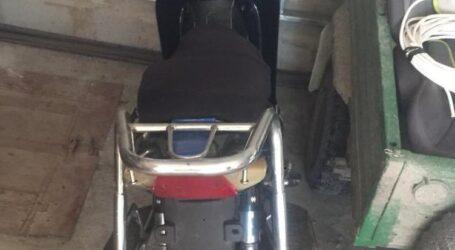 На Дніпропетровщині чоловік вкрав мотоцикл, і заховав його у своєму гаражі