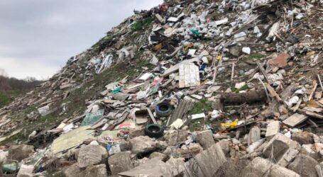 На Дніпропетровщині організувалинезаконне сміттєзвалище