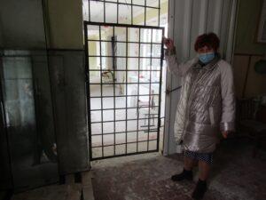 Закінчити ремонт школи в Кам'янському вимагають від ОДА батьки учнів - ФОТО