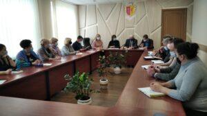 Молодь Кам'янського району не хоче працювати в Україні - ФОТО