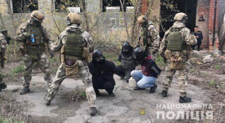 Розбійний напад, гроші та штурм будівлі: як правоохоронці Дніпропетровщини відпрацьовували тренувальні навчання (відео)