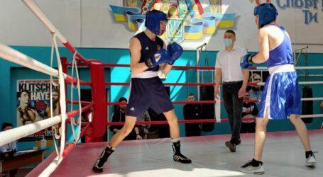 У Кам'янському відбувся міський відкритий турнір з боксу