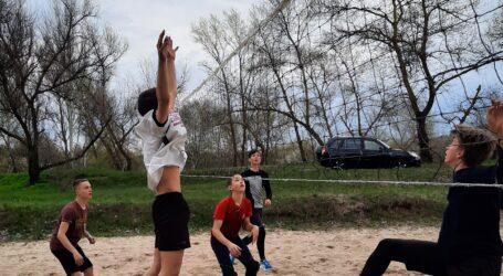 Молодь Кам'янського відкрила волейбольний сезон
