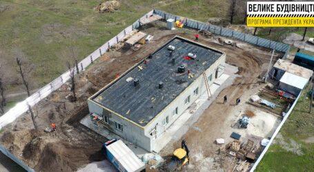 У селищі Курилівка завершують будівництво амбулаторії