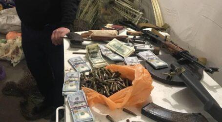 На Дніпропетровщині затримали кримінального авторитета та його злочинне угруповання