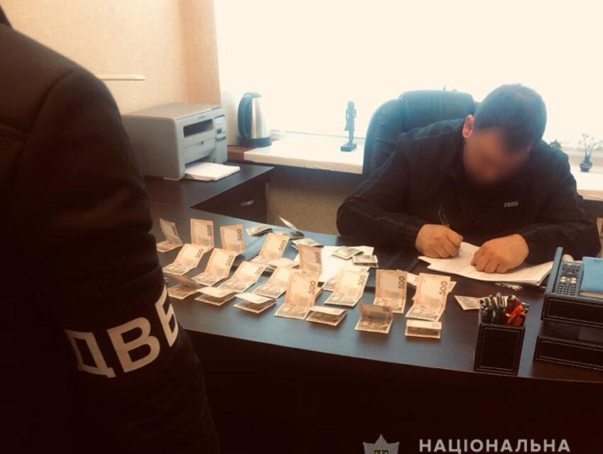 На Дніпропетровщині затримали чоловіка, який пропонував копу хабар